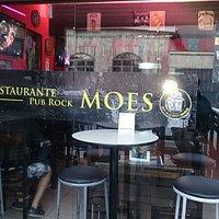 Moe's Pub Rock