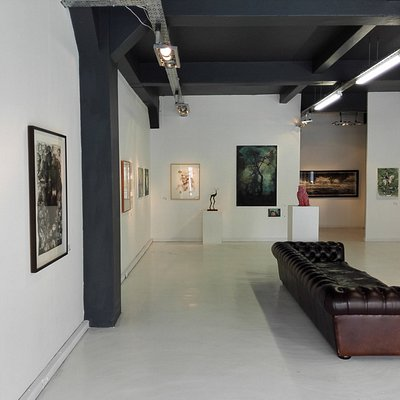 A beautiful space, showcasing some of the best contemporary art from around South Africa!