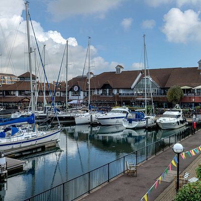 Waterside dining at Port Solent