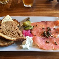 Smoked salmon with dill cream cheese, capers and onions