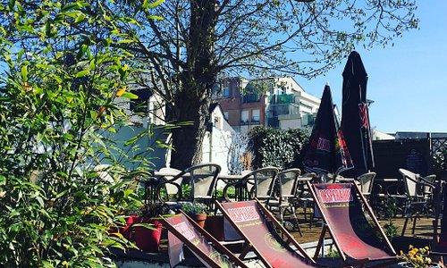 La terrasse au soleil pour un déjeuner, dîner ou afterwork du lundi au vendredi