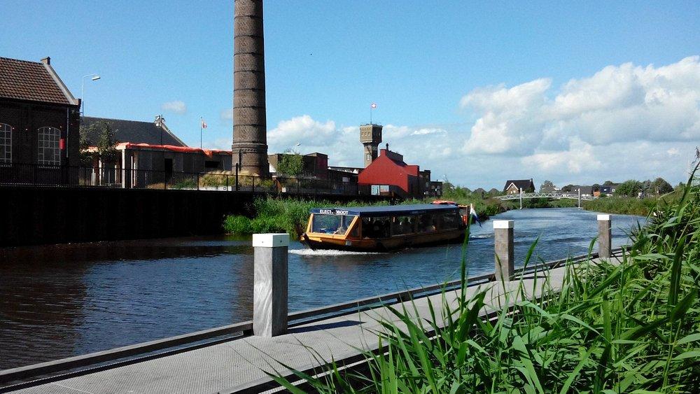 "Fluisterboot ""De Iesselganger""op de Oude Ijssel thv DRU Industriepark Ulft ^td"