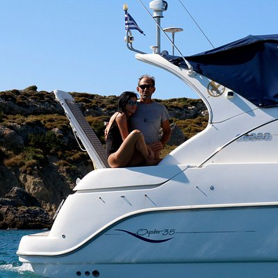 Your dream yacht sailing experience begins here.