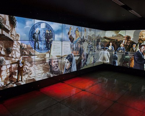 visionaries gallery- mural hall