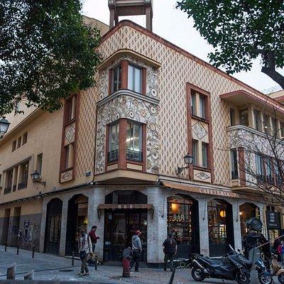 Un viejo edificio cuyos nuevos habitantes han sacudido la escena teatral de Madrid