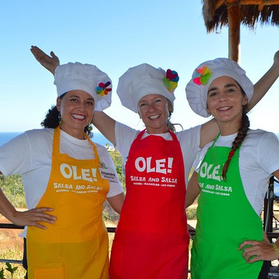 Dancing Chefs Alejandra, Suzanne & Ceci!