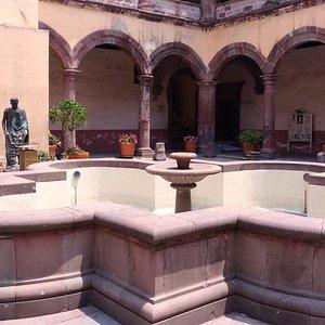 Fuente y San Juan Diego