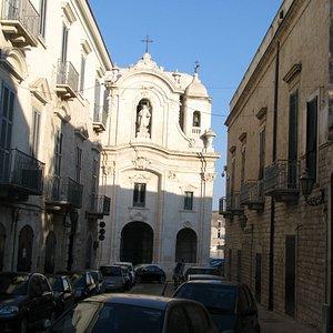 Церковь святой Терезы в Трани