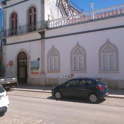 Uma vista sobre a fachada