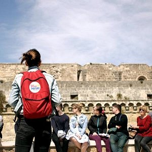Castle or not castle? Just Free Walking Tour Bari, genuine city tour.