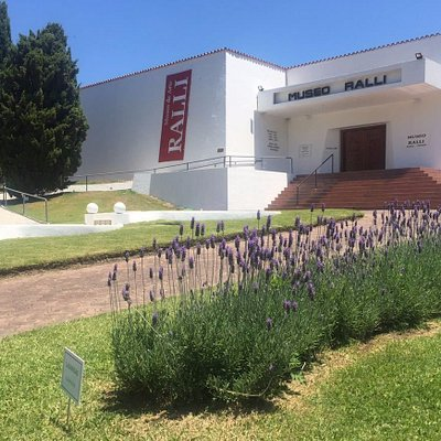 Entrada Principal Museo Ralli Punta del Este
