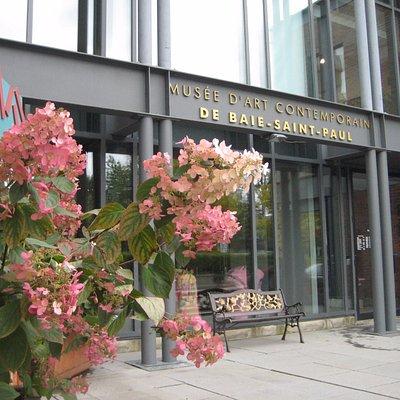 Le Musée d'art contemporain de Baie-Saint-Paul pendant la période estival