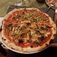 Pizza quattro stagioni vegetariana
