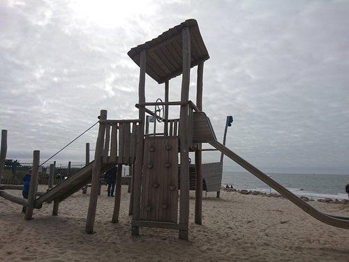 Villa Kunterbunt Kinderbetreuung und Spielplatz