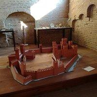 Ricostruzione del castello di Ostiglia sul fiume Po