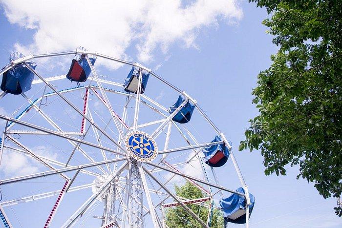 Eli Bridge's 1900 Big Wheel turns today through the good services of the Rotary Club of Jacksonv