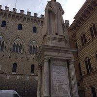 Statue of Sallustio Bandini