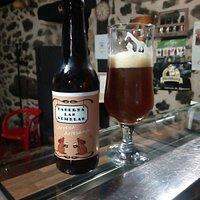 Cerveza artesana LAS GEMELAS y jamon iberico de bellota