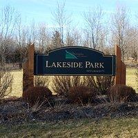 Lakeside Park sign
