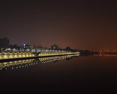 This Photo of Riverfront was clicked from Gandhi-bridge early in the morning.