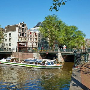 City Hopping in Amsterdam - Hop On Hop Off