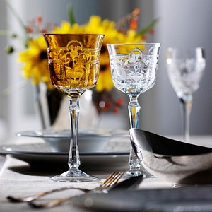 Imperial, this sophisticated pattern reveals the peerless talent and preciosity of the engraver.