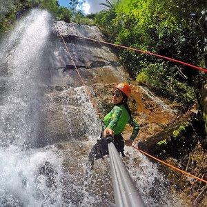 Atividade de Cachoeirismo na Cachoeira das Palmeiras