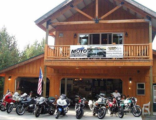 Stable has rentable BMWs, Ducatis, Kawis, Harleys, Honda CBX, more. Lodging packages at DiamondS