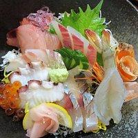 地魚たっぷり海鮮丼