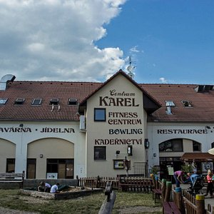 Exteriér centrum KAREL