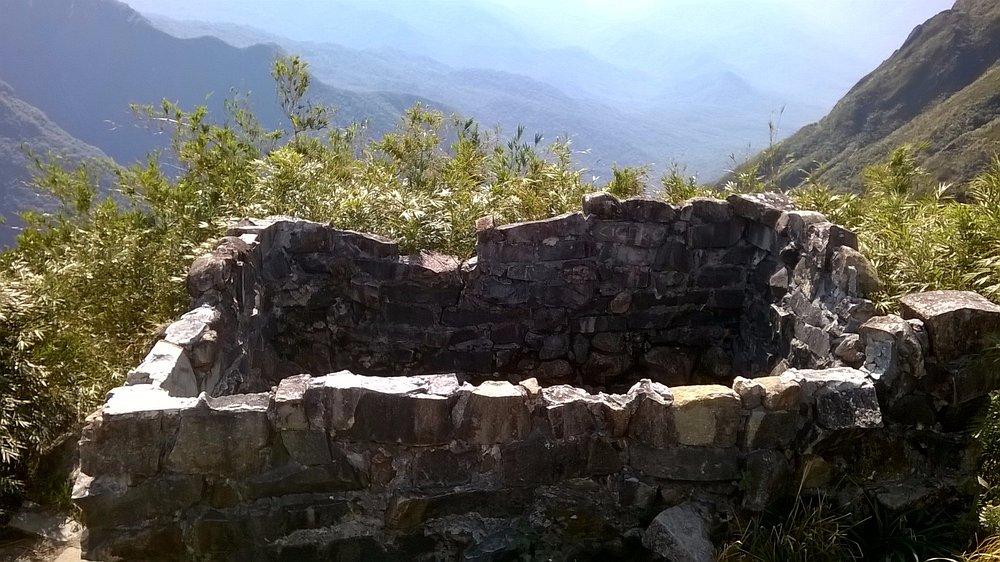 ruinas da casa de pedra