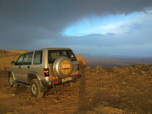 Beresheet Desert Tour - Ramon Crater 4X4 tour with Gilad Cartoon at Mizpe Ramon Israel