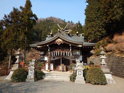 麓にある遥拝殿