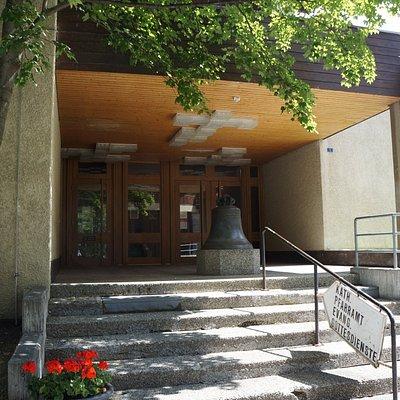 Entry to the Evangelical Reformed Church - © Zermatt Toruismus