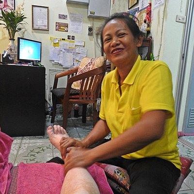 getting 100 bht foot massage