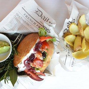 L'aragosta nel panino. Pranzo al Circolo della Stampa. Lun-Ven
