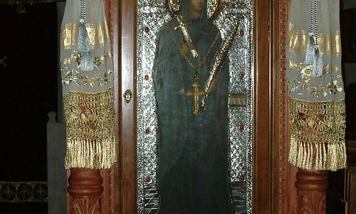 η εφέστιος ιερά εικών της αγίας παρασκευής όπως εμφανίστηκε στο σημείο όπου και κτίστηκε το μονα
