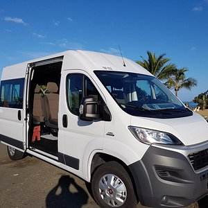 Cab Express van 8 seats, wifi, air conditionning, fridge, baby seat + toys