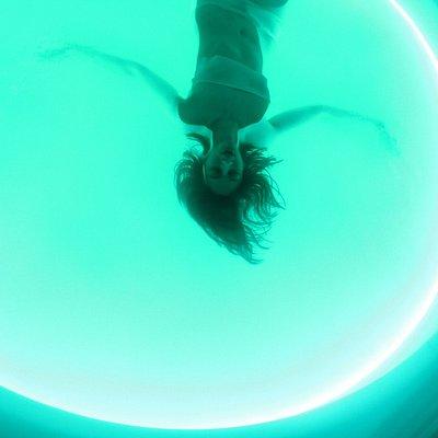 Bassin circulaire de 2m40 de diamètre (obscurité totale ou veilleuse) dans une bulle privée