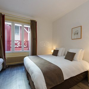 The Triple Room with bathroom at the Hotel du Marche