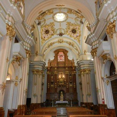 Interior barroco de la Iglesia de San Felipe de Cuenca