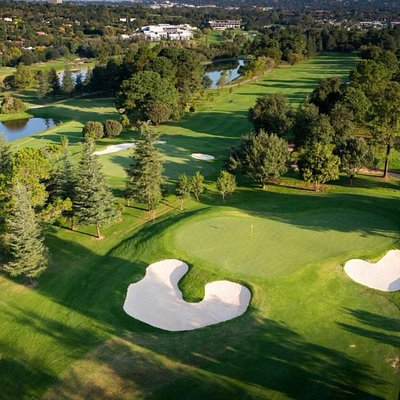 The Firethorn Course measures a total of 7040m (1 of the longest courses in SA) with a Par of 72