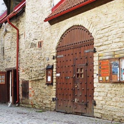 Entrance to the Ukrainian Cultural Centre from Laboratooriumi 22