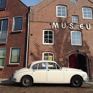 het museum aan de oostersingel 8