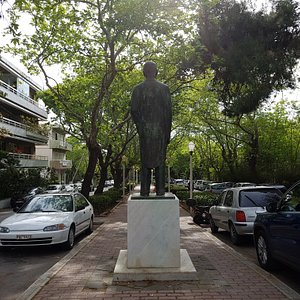 Άγαλμα Ελ. Βενιζέλου, Ρόδος