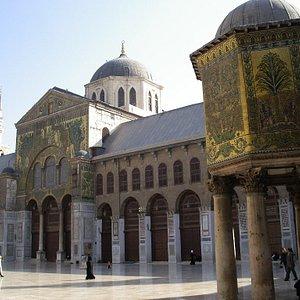 Grand Mosque courtyard