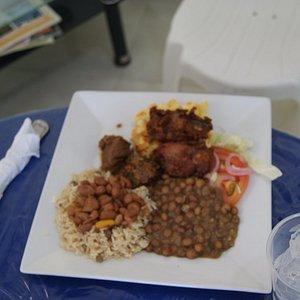 Almuerzo tipico Criollo.