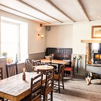 Come relax in our dog friendly and friendly dog pub.