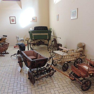 Kocsimuzeum Keszthely - dětské kočáry a povozy