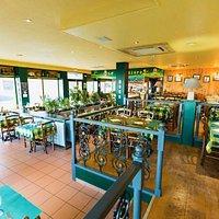 Un restaurant avec une ambiance conviviale et authentique sur le thème de la Pomme de Terre